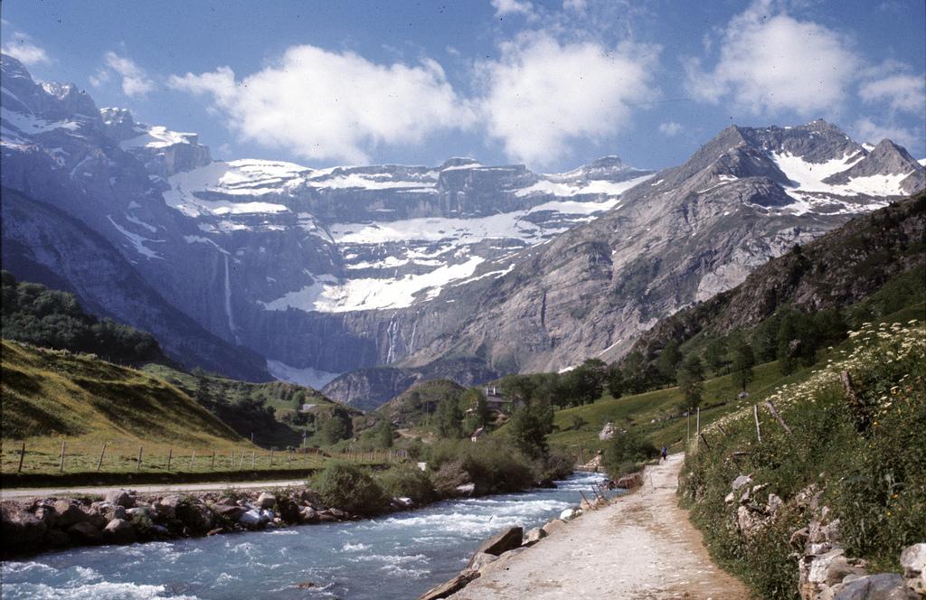 16. Otra vista de la cabecera del valle. Autor, Cletus Awreetus