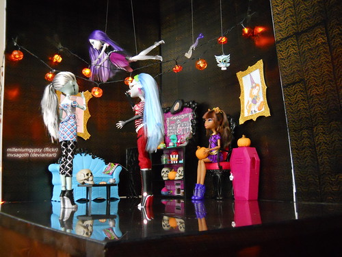 2012 Monster High Halloween picture