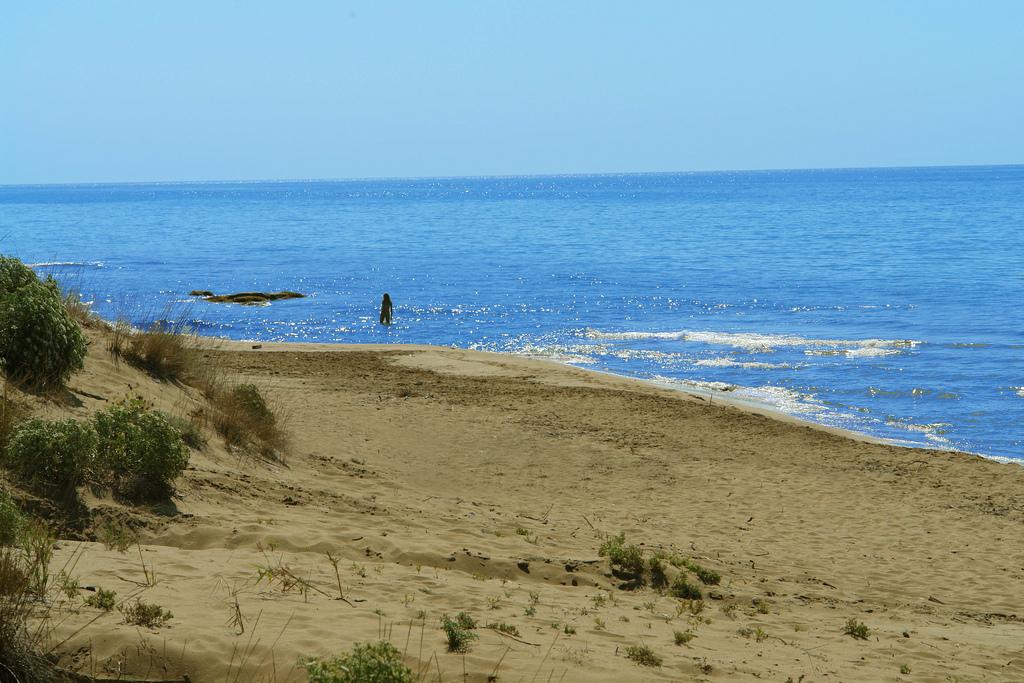 11. Dunas y playas al rur de Corfú. Autor, Whl.Travel