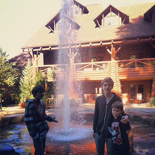 "Teton Lodge and the ""geysers"" out front. #memphiszoo #memphisdaytrip #brothers"