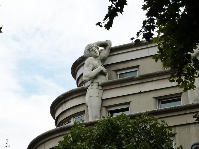 sculpture immeuble 1