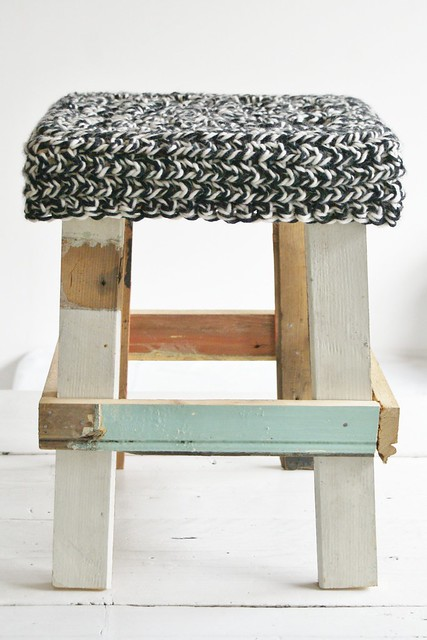 wood & wool winter stool