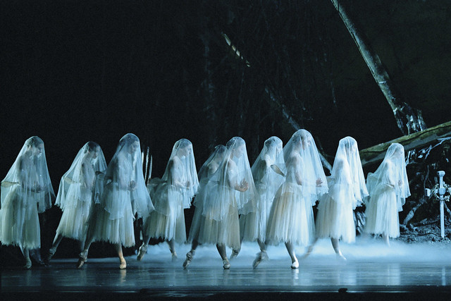 Artists of The Royal Ballet in Giselle, The Royal Ballet © ROH 2013. Photograph by Bill Cooper