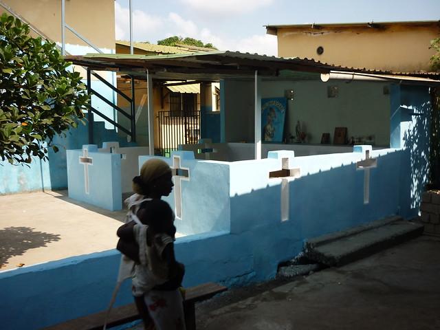 Une chapelle pour dispensaire à Conakry
