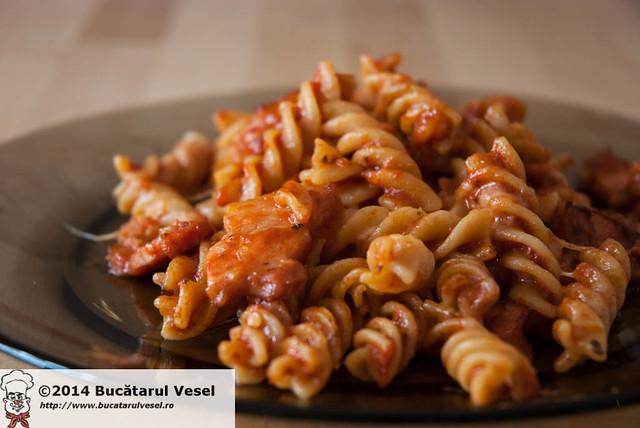 Pasta with bacon and mozzarella