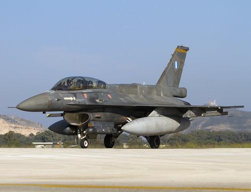 F-16 605 CLOFTING IMG_9101