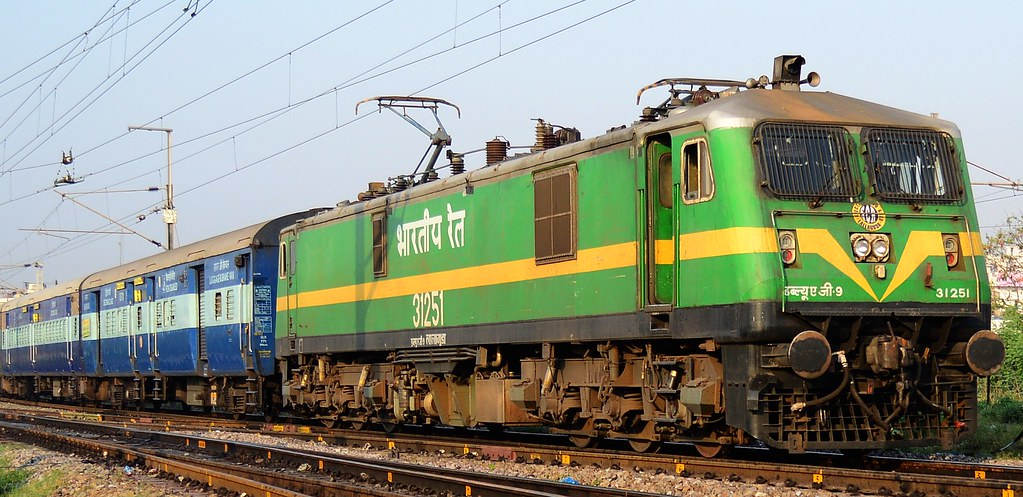 LGD WAG9 31251 with empty rake of machilipatnam