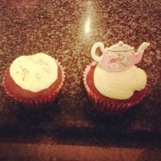 Best ict business meeting ever :) #treats #tea #workinghard #nancysvintage