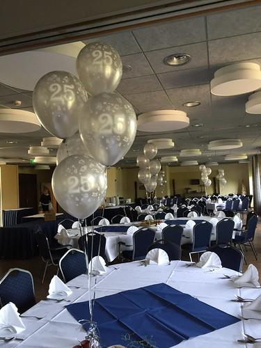Tafeldecoratie 5ballonnen 25 Jaar Wapen van Marion Oostvoorne