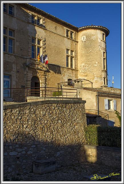 Chateau de Rustrel 02