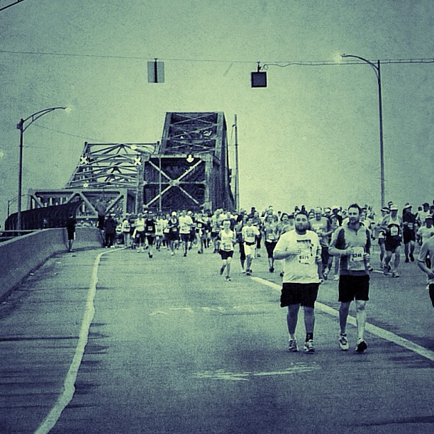 running across Clay Wade Bailey Bridge #flyingpig #marathon #cincinnati #ohio