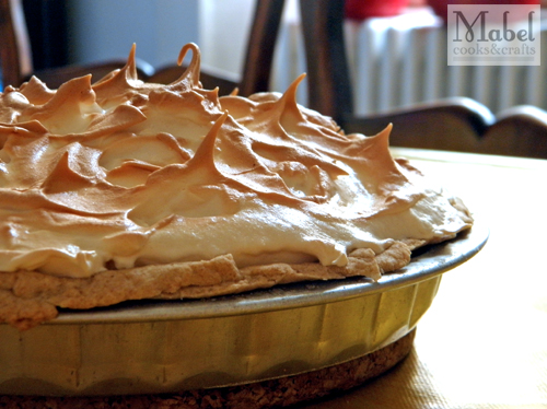 Lime meringue tart