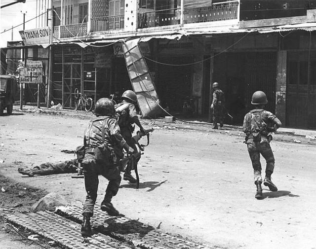 Một Lịch Sử Đau Thương Của Thành Phố Sài Gòn Năm 1968 - Page 2 9134023450_f8d3da7382_z