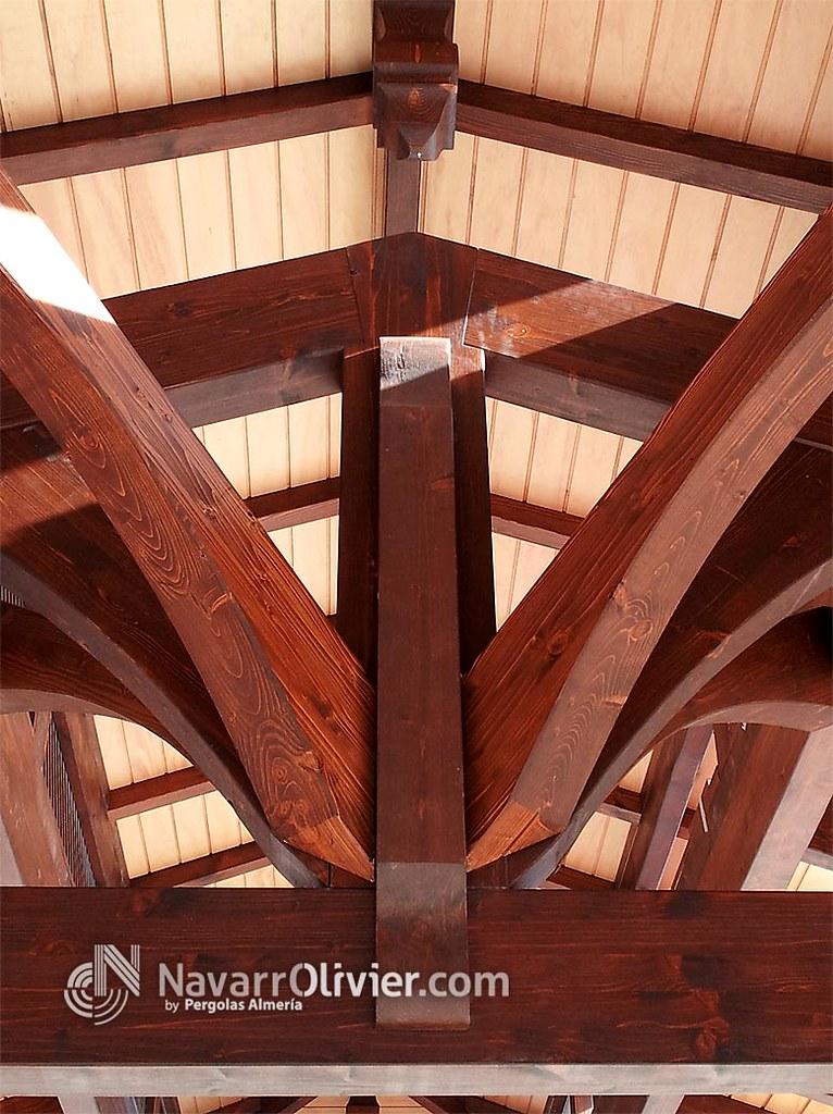 Picssr navarrolivier estructuras de madera pergolas y - Estructura de madera laminada ...