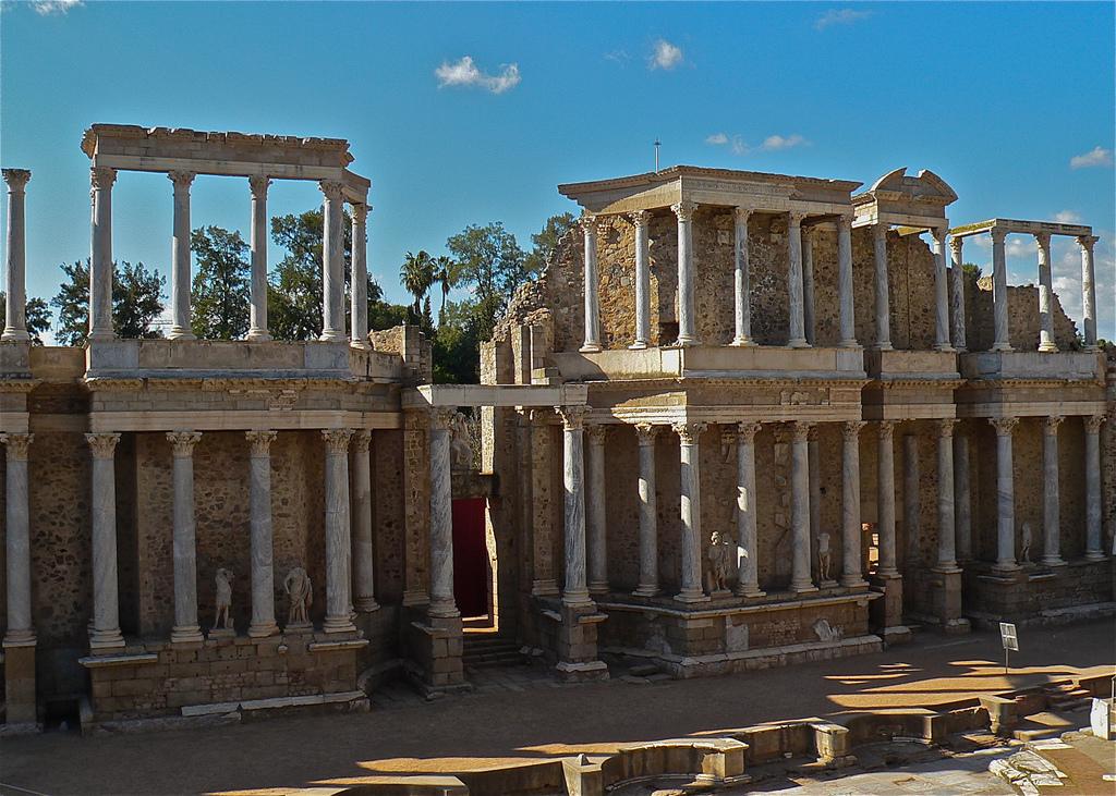 Columnata tras el escenario del Teatro de Mérida. Autor, Extremaduraclásica