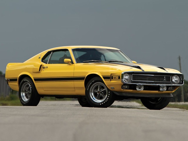 Ford-Mustang-GT350-1[2]