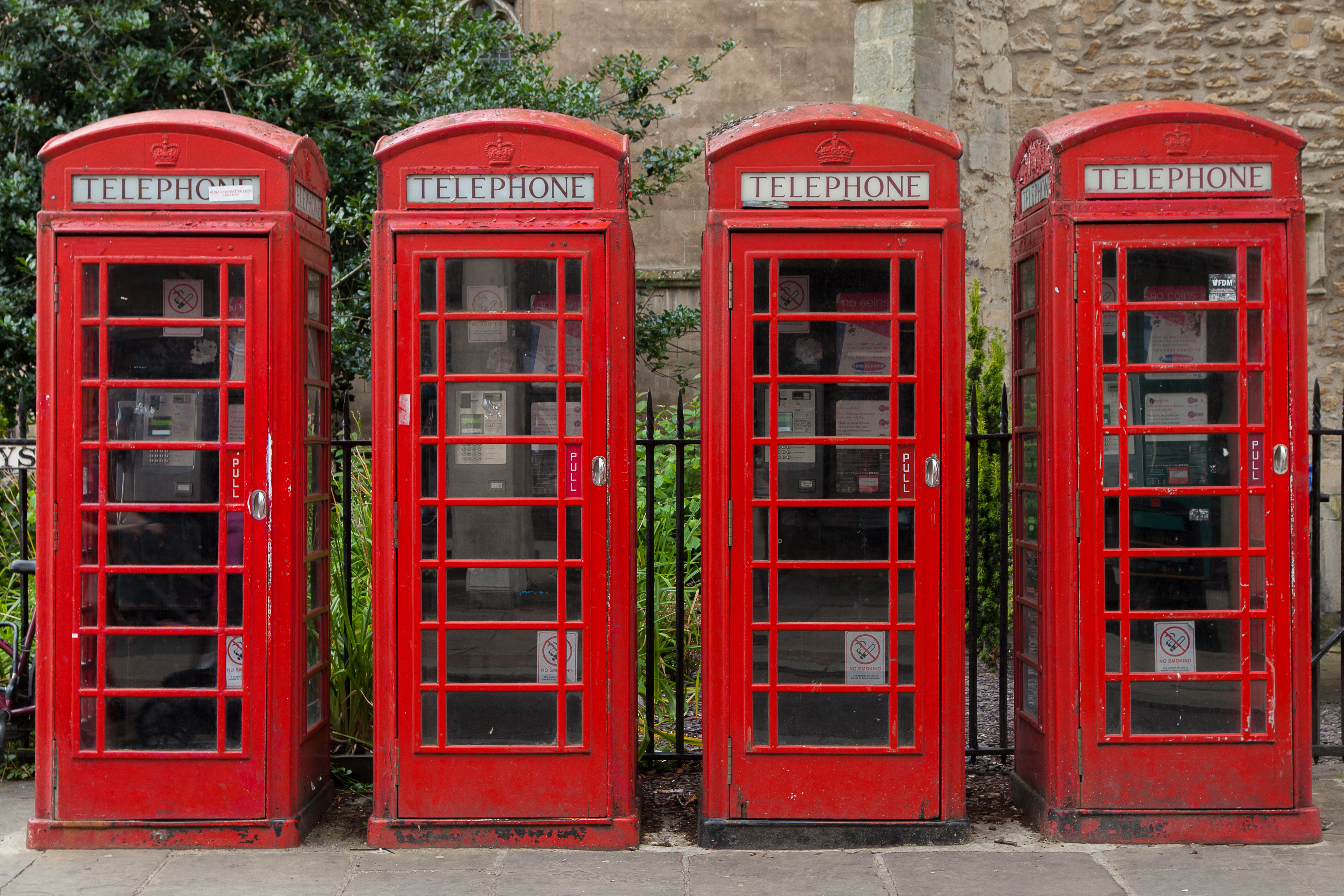 cabine t l phonique rouge red telephone box london londres photo picture image photography. Black Bedroom Furniture Sets. Home Design Ideas