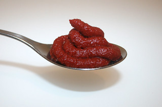 06 - Zutat Tomatenmark / Ingredient tomato puree