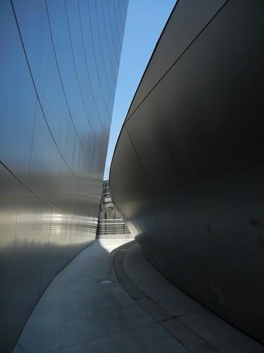 DSCN8610 _ Exterior Detail, Walt Disney Concert Hall, Los Angeles, July 2013