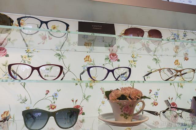 dolce-and-gabbana-lipstick-collection-eyewear