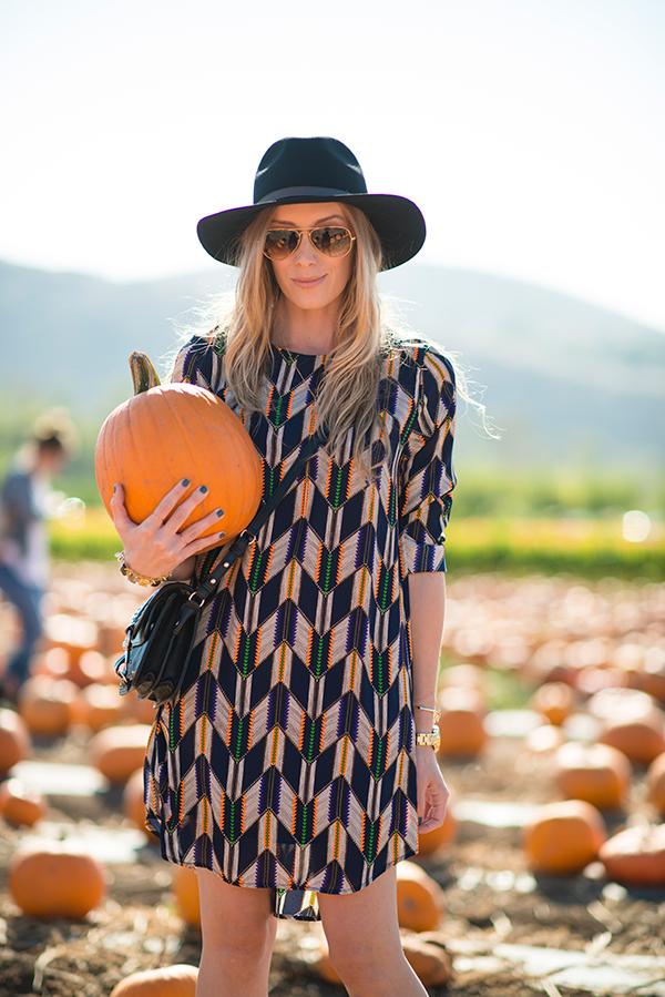 eatsleepwear, outfit, portrait, pumpkins