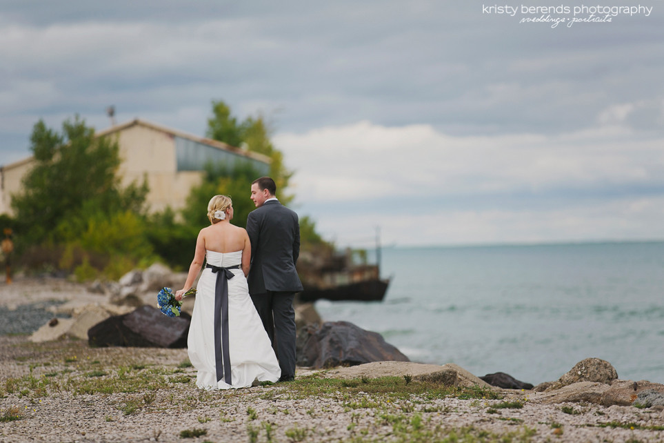 19 Walking Port Huron Wedding Couple