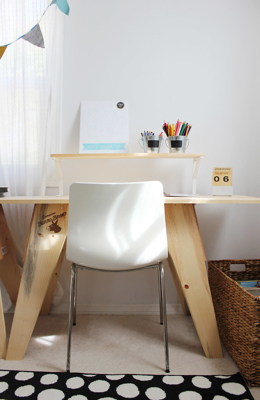 lucy-desk