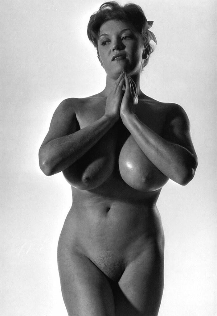 Paula natural nude — photo 1