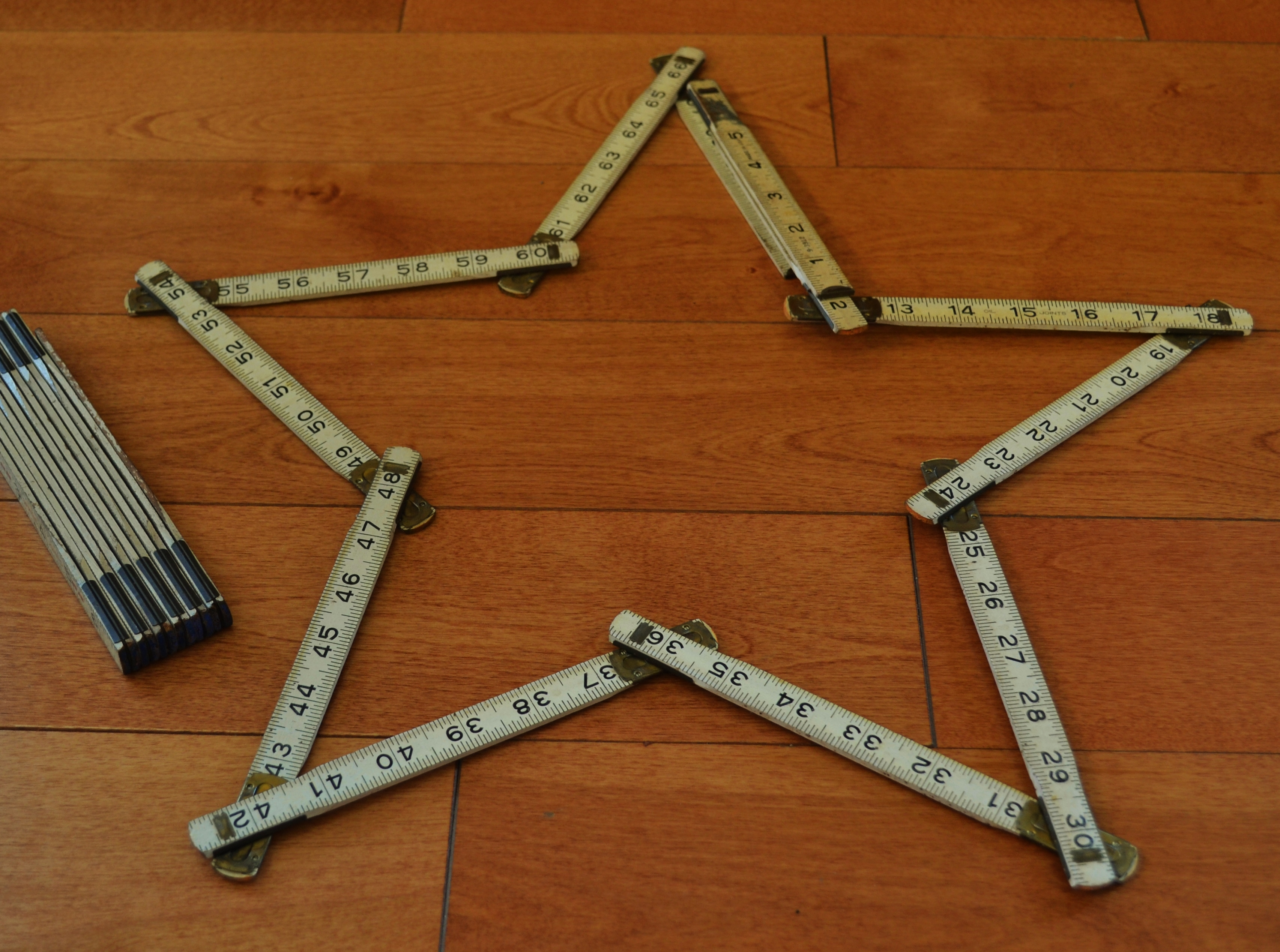 articulated ruler