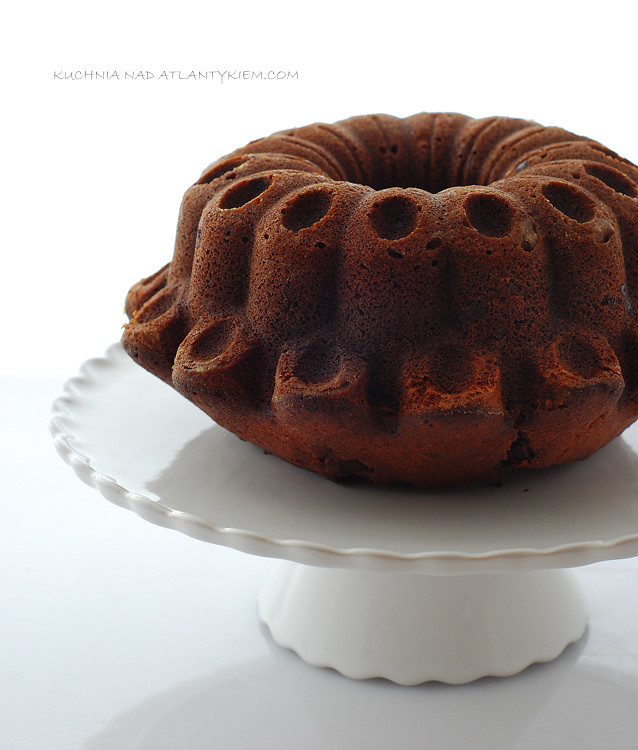 gingerbread bundtcake with chocolate