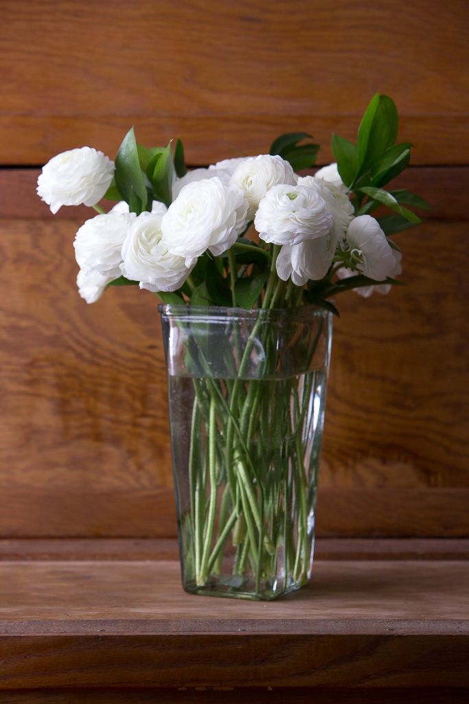 White, Ranunculus, Bouqs, flower company, online flower, review, product review, Never fully dressed, without a style, withoutastyle,