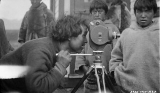 Assaajuq looking through the lens of a movie camera... / Assaajuq regarde dans l'objectif d'une caméra...