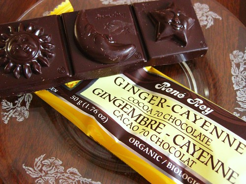 Ginger Cayenne Chocolate Bar // René Rey by VeganBananas