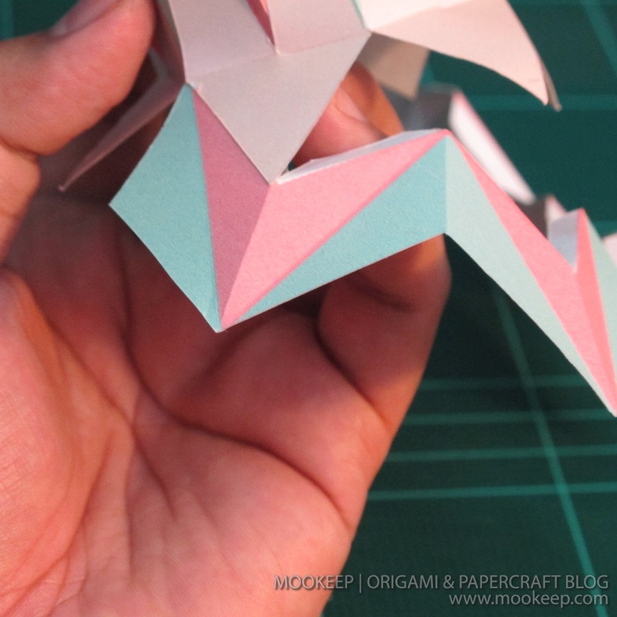 สอนทำโมเดลกระดาษเป้นรูปแจกันโบราณ (Papercraft Model Flower Vase) 019
