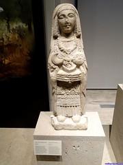 Falsificación de dama oferente (Museo Arqueológico Nacional)