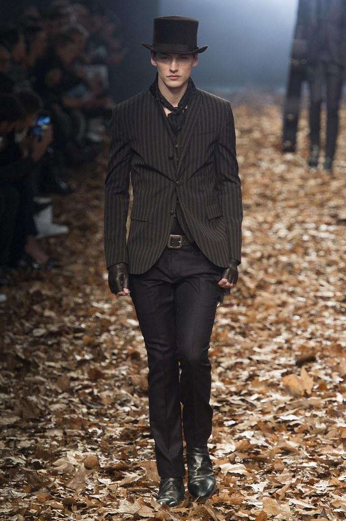 Jakob Hybholt4161_FW15 Milan John Varvatos(fashionising.com)