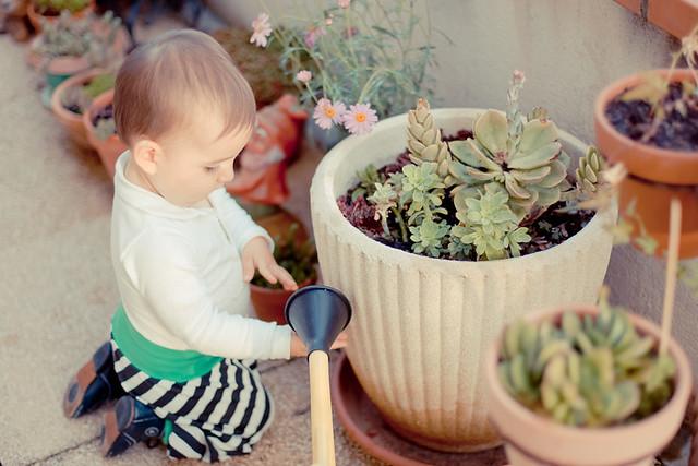 bébé sur terrasse
