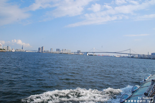 遠眺彩虹橋