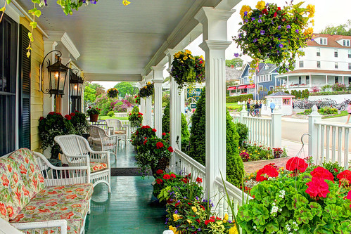 michigan mackinacisland mackinawisland porches frontporch flowers bedandbreakfasts bedbreakfasts bayviewatmackinac11241 bedandbreakfast11241 bb bbs mackinacisland11241 bayviewatmackinac crookedtreeartscenter petoskeycameraclub petoskeyphotographyclub crookedtreephotographicsociety
