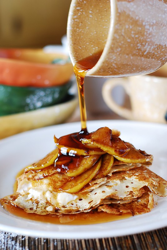 Crepes with caramelized apples and creamy ricotta cheese ...