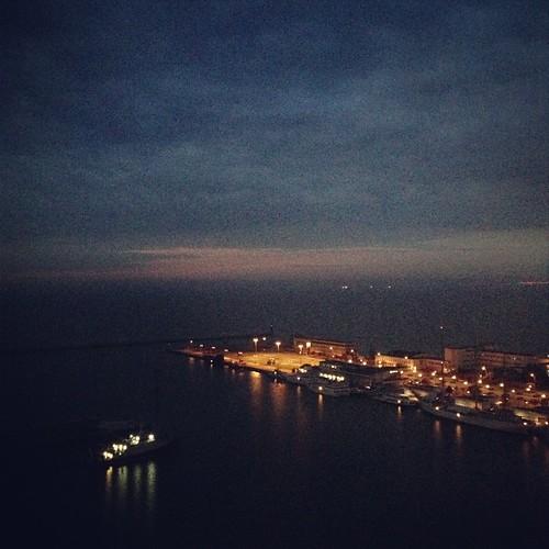 sunrise uploaded:by=flickstagram instagram:photo=4690660488705911151482089