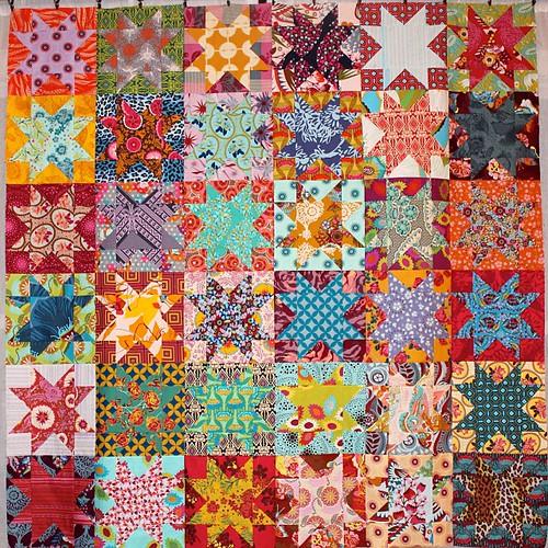 Starry-Eyed @annamariahorner quilt top complete!!!
