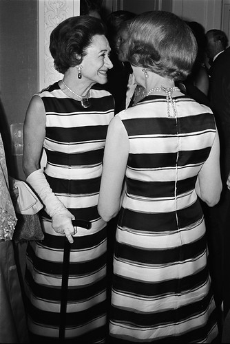 THE-DUCHESS-OF-WINDSOR-AND-MRS-AILEEN-PLUNKET-PARIS-13TH-JUNE-1966-1-C31350
