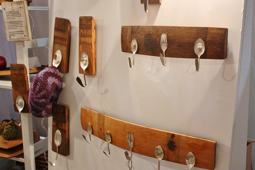 wine-planks-coatracks
