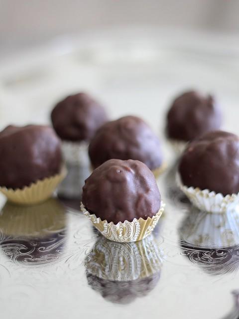Peanut Butter Crunch Balls (Gluten-free)