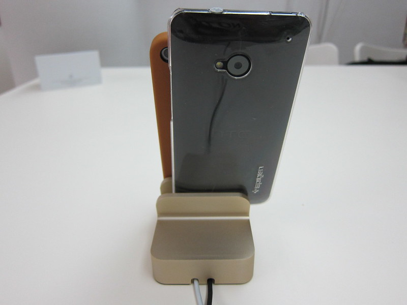 EverDock Duo - Phones Docked (Back)