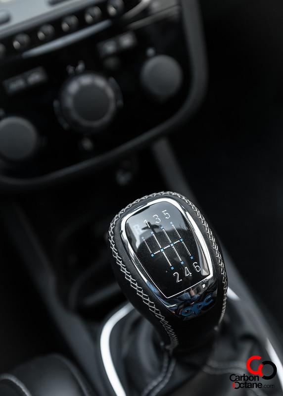 2014_Opel_Corsa_OPC_Nurburgring_Edition_gear_shifter