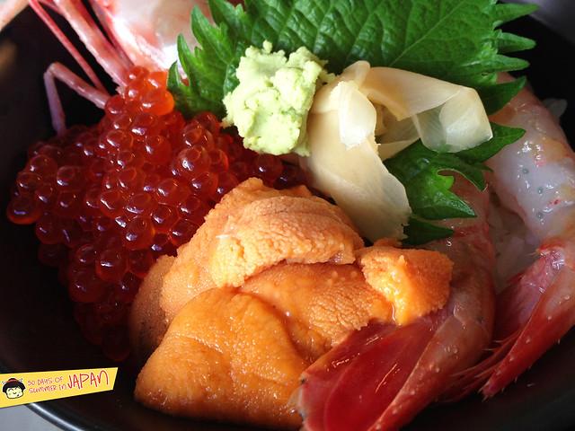 Hokkaido - Nijo Market - uni and botan ebi 2