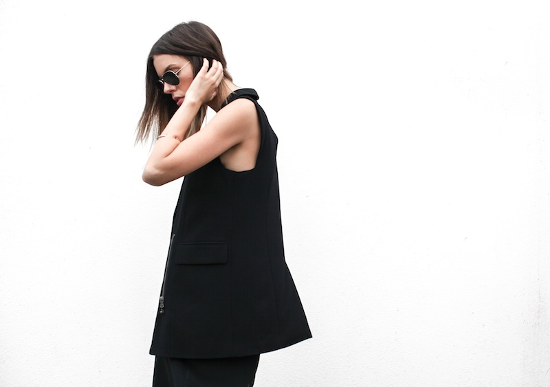 modern legacy australian fashion blog personal style street all black Priory of Ten Vest Topshop silk cami midi dress slide sandals zip leather tote bag (4 of 13)