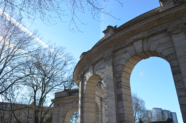 Volkspark Friedrichshain Berlin_curved archways in the sky